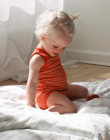 Merinould/silke body uden ærmer til baby