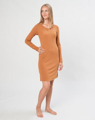 Kjole med lange ærmer i karamel