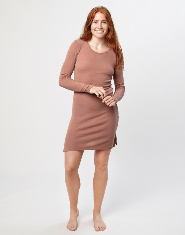Langærmet natkjole i merino uld pudder